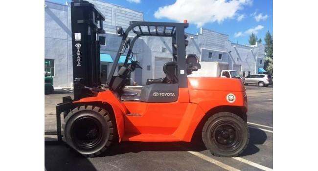 Used Forklift 2012 Toyota 7FGU70, 15,000lbs.-1