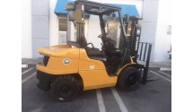 Used Forklift 2013 Caterpillar P5000, 5,000lbs.