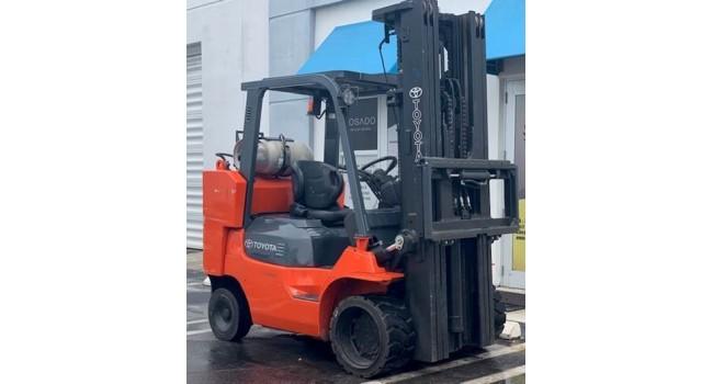 Used Forklift TOYOTA 2009  7FGCU45  10,000LBS.