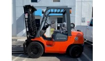 Used Forklift 2005 Toyota 7FGU30, 6,000lbs.