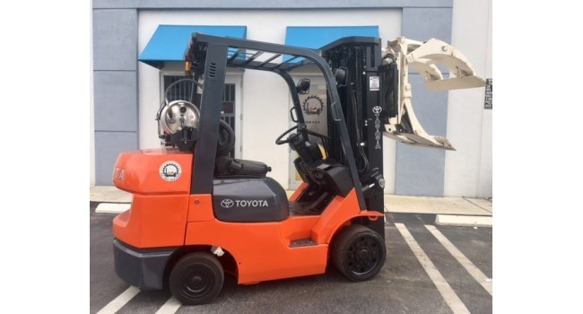 Used Forklift 2007 Toyota 7FGCU32, 6,500lbs.-1