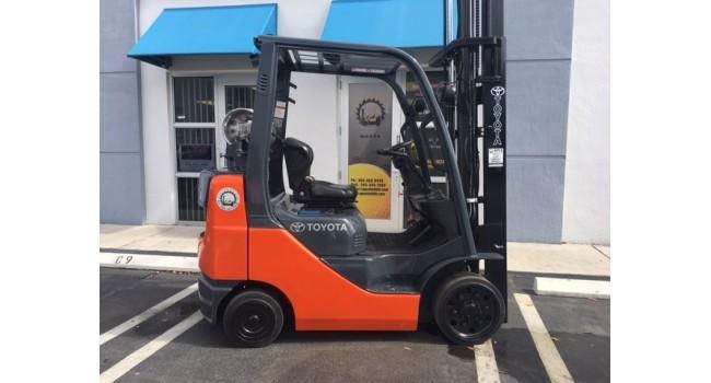 Used Forklift 2013 Toyota 8FGCU25 5,000lbs.